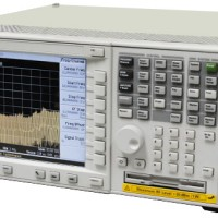 Agilent_E4446A_average_1